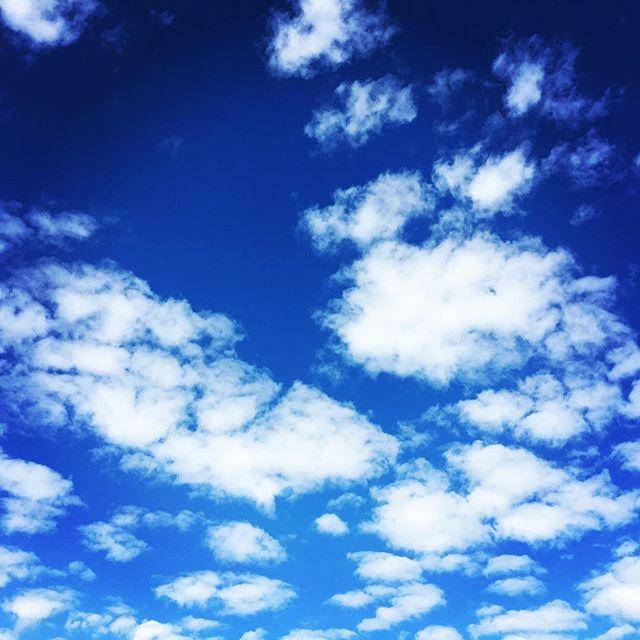 【ぐもにん2187】自分自身を楽しみきる。今日も「笑顔の選択」と。#goodmorning #beautifulsky #bluesky #cloudart #blue