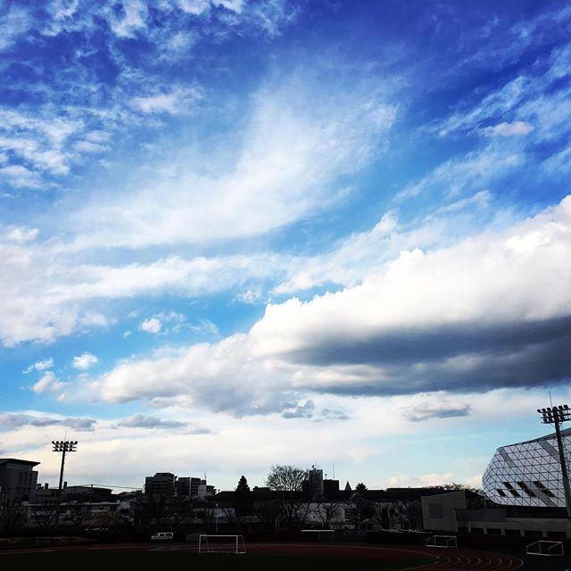 【ぐもにん2309】変わりゆくのが当たり前。今日も「笑顔の選択」と。#goodmorning #beautifulsky #sky #cloudart