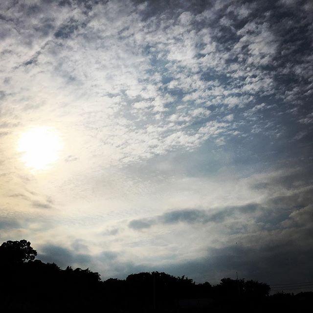 【ぐもにん2425】やりたいことをやってみる。今日も「笑顔の選択」と。#goodmorning #beautifulsky #beautiful #sky #sunset #clouds