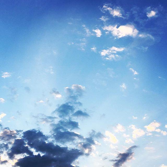 【ぐもにん2448】気付いた時がタイミング。今日も「笑顔の選択」と。#goodmorning #beautifulsky #beautiful #sky #cloudart #bluesky #blue