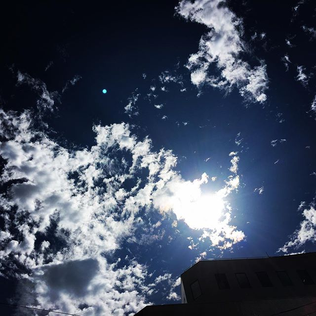 【ぐもにん2525】自分のペースでいいじゃない。今日も「笑顔の選択」と。#goodmorning #beautifulsky #bluesky #beautiful #blue #clouds #cloudart #sky #おはよう
