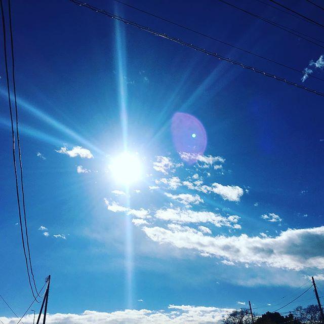 【ぐもにん2612】今ここにある奇跡。今日も「笑顔の選択」と。#goodmorning #bluesky #beautifulsky #blue #beautiful #sky #sunshine #おはよう