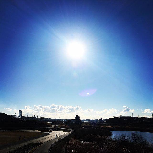 【ぐもにん2026】未来を考え願う。今日も「笑顔の選択」と。2018年もよろしくお願いいたします。#goodmorning #beautiful #bluesky #beautifulsky #blue #sky #goodfeeling #おはよう
