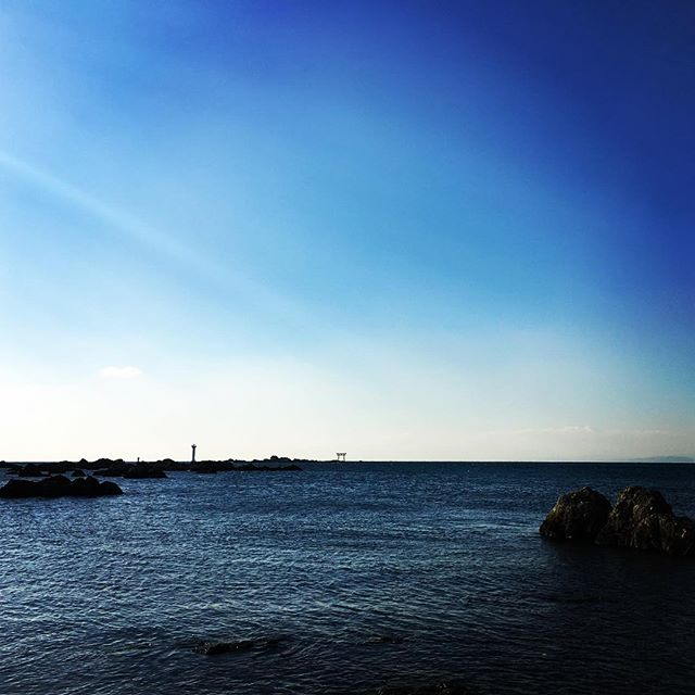【ぐもにん2055】最初に浮かぶ音の響きを大切に。今日も「笑顔の選択」と。#goodmorning #beautifulsky #beautifulsea #bluesky #beautiful #blue #sky #sea #photography #photo #iphonephotography #おはよう