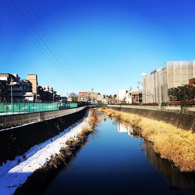 【ぐもにん2052】ここに在る幸せを心から楽しみ味わう。今日も「笑顔の選択」と。#goodmorning #beautifulsky #bluesky #beautiful #blue #sky #river #photography #iphonephotography #おはよう