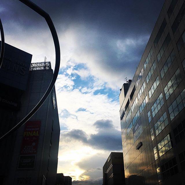 【ぐもにん2044】行きたい景色を描いて動いて委ねる。今日は「笑顔の選択」と。#goodmorning #beautifulsky #beautiful #sky #clouds #cloudart #photography #iphonephotography #おはよう