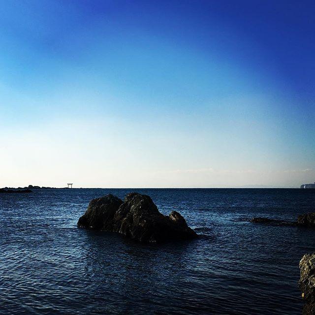 【ぐもにん2667】止まるも進むも自分が時を知っている。今日も「笑顔の選択」と。#goodmorning #beautifulsky #bluesky #beautifulsea #beautiful #blue #sky #sea #photography #photo #iphonephotography #おはよう