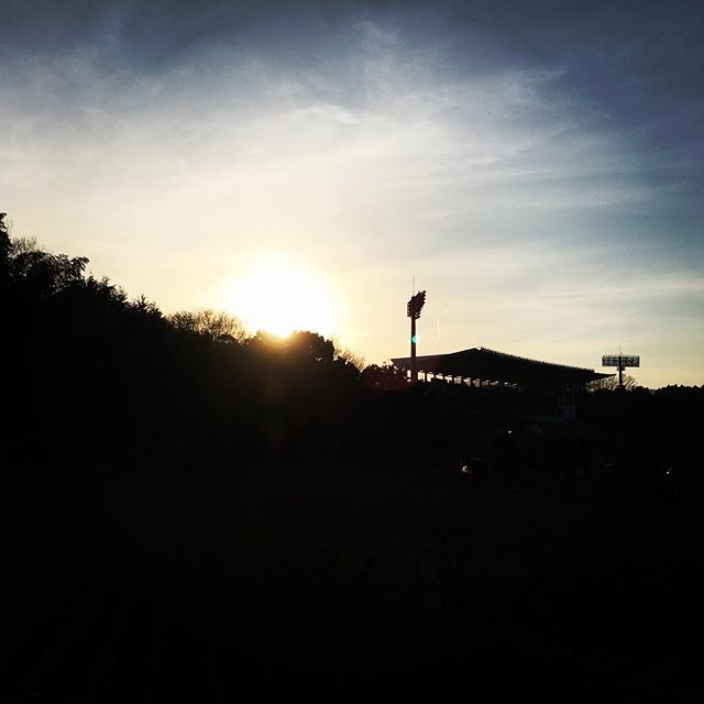 【ぐもにん2692】楽しみ方も千差万別。1つの正解はどこにもない。今日も「笑顔の選択」と。#goodmorning #beautifulsky #beautiful #sky #sunset #photography #photo #iphonephotography #おはよう